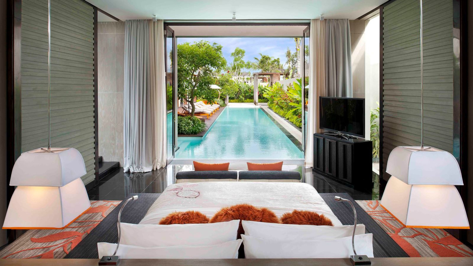 W bali seminyak luxury hotel in bali for Three bed